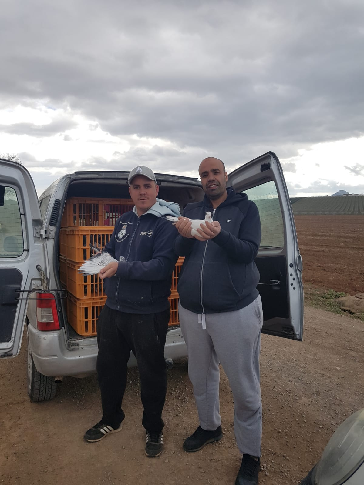 THE FIRST 44 PIGEONS OF TEAM RIDA PALOMAS ARRIVE